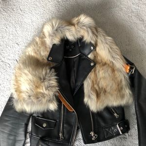 Beautiful furry collar for jackets